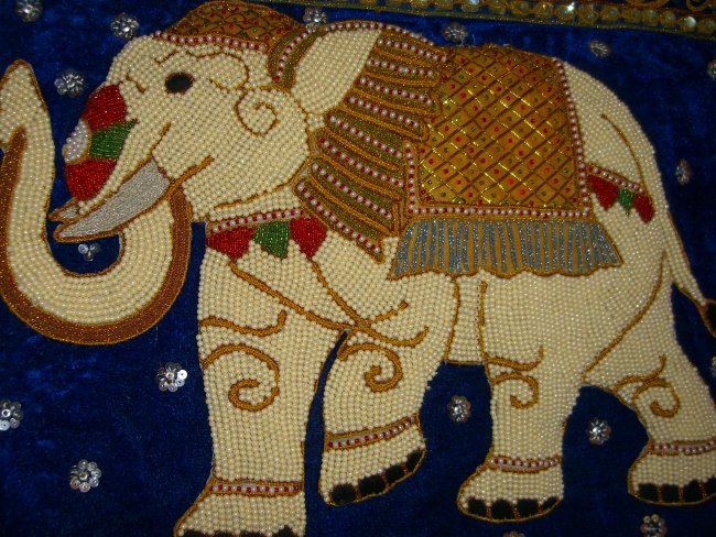 Sm00160 Baby Pearl Elephant Golden Ruffled Saddle Blanket